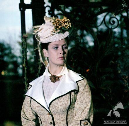 Movie star Beata Tyszkiewicz - LALKA (dir. Jerzy Wojciech Has)  #fototeka, #cinema, #moviestar, #glamourcinema