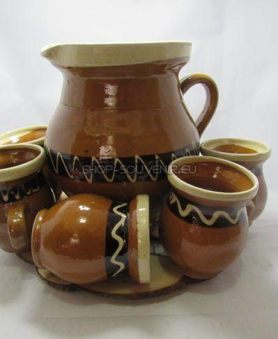 Cadouri traditionale romanesti: artizanat romanesc, costume populare, suveniruri Dracula, ceramica, obiecte din lemn, olarit, tesaturi. www.shop-souvenir.eu