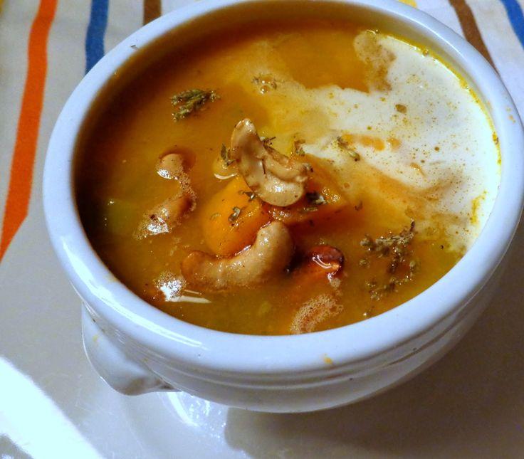 Wat ik gegeten heb: Soep van zoete aardappelen met gebakken cashewnote...