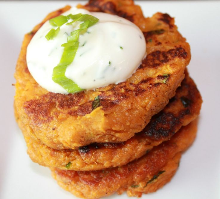 Cod Cakes With Red Pepper, Tarragon And Yogurt Remoulade ...