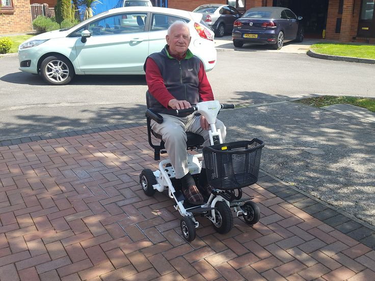 Mr Wallace found the Air 2 mobility scooter fitted his needs to a T, find out which Quingo is perfect for you