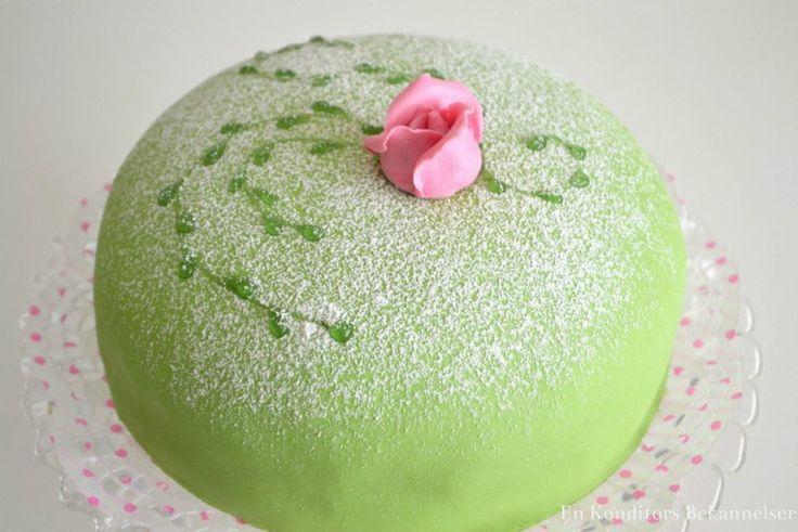 Do You Put Marzipan On A Sponge Wedding Cake