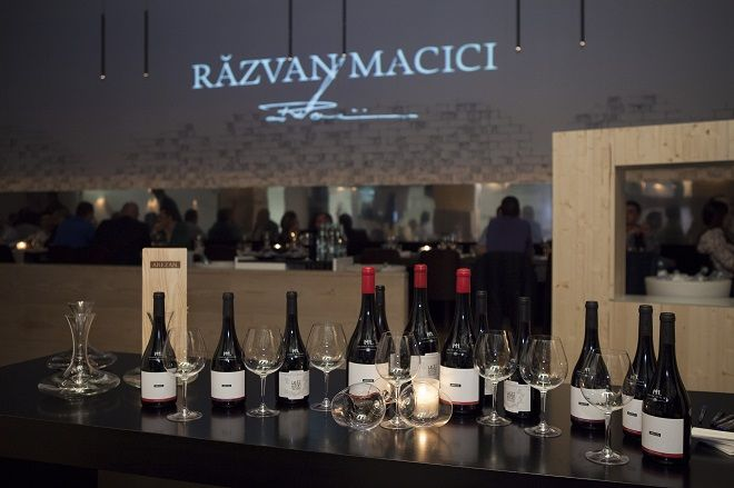 2013.10 - La Loft, in Bucuresti, a avut lot loc o tripla premiera: Arezan Babeasca Neagra 2012, Arezan Feteasca Neagra 2011 si Leat 6500 The Origin Pinot Noir 2011. #cramaatelier #M1eveniment