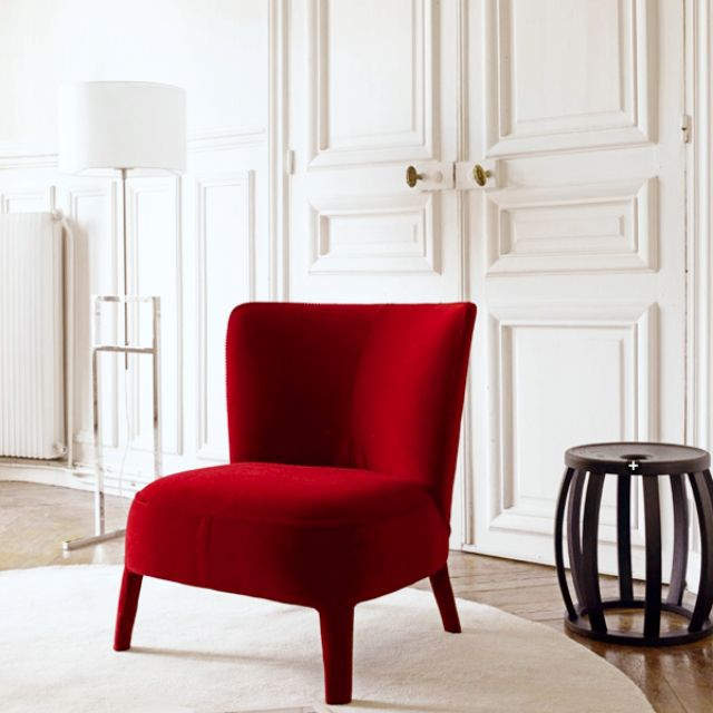 Red chair, love