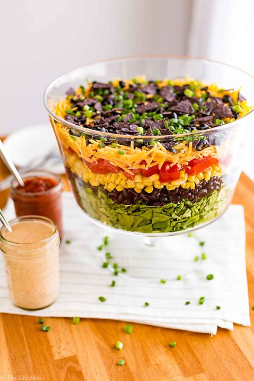 This 7 Layer Taco Salad is perfect to bring to a picnic or Cinco  Mein Blog: Alles rund um Genuss & Geschmack  Kochen Backen Braten Vorspeisen Mains & Desserts!