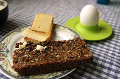 Kernerugbrød+med+Gulerødder+og+Honning