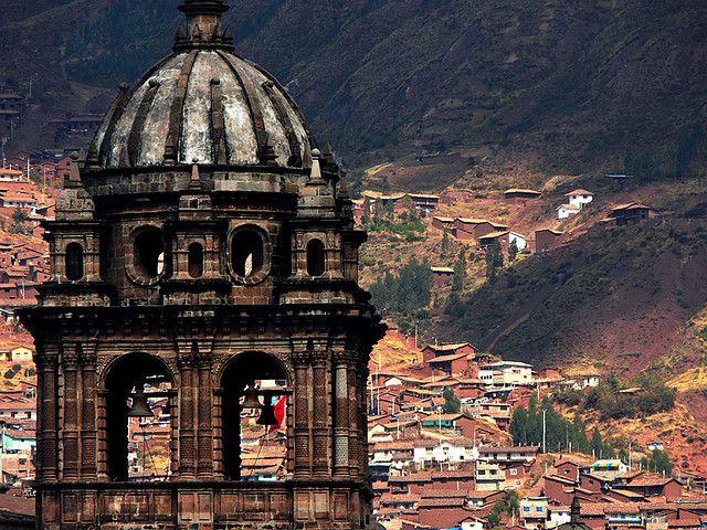 Cusco, durmiendo en un museo tomando té de muña