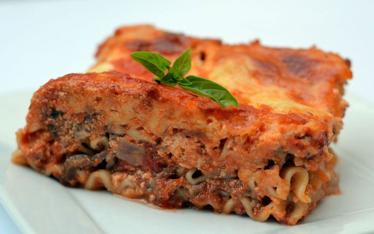 We proudly make the statement that this wood fire lasagne is the best lasagne ever, and makes wonderful use of the flavors the Memphis Grill gives to food.