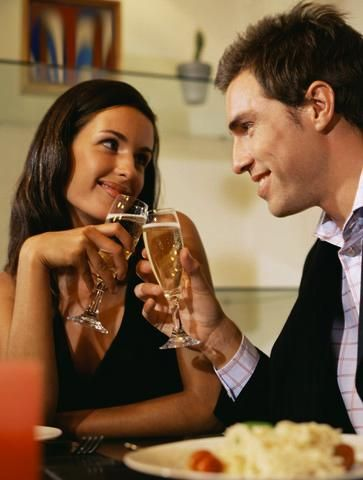 Tips for #single men: How to flirt with women?