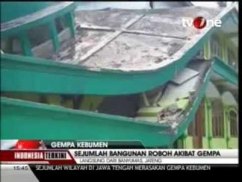 Video Masjid Hancur di Banyumas Karena Gempa Kebumen 6.5 SR