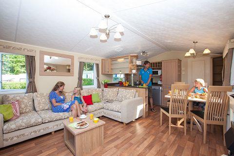 Camping Château la Forêt **** - Intérieur de mobil-home http://bougerenfamille.com/les-meilleurs-campings-en-vendee-pour-les-familles/