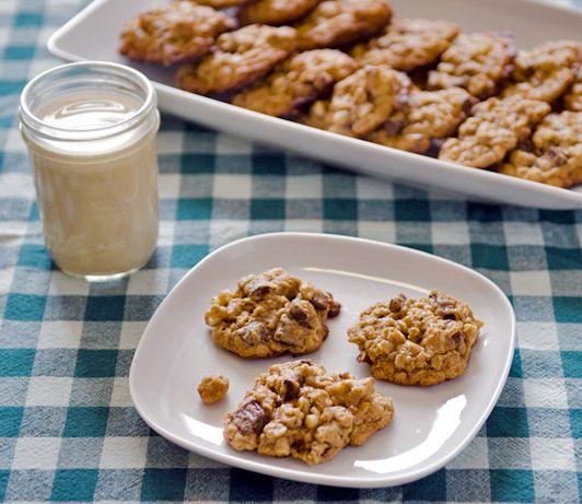 Tahini cookies....a good way to use tahini! I can never use up a whole jar.