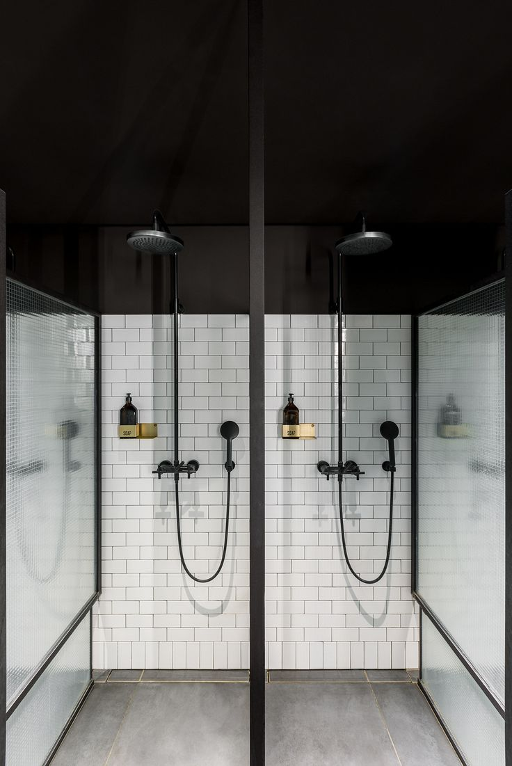 The fittings and shower solutions of the timeless and classic Tara series are also found throughout the fitness and wellness club Ceresio 7 in Milan.