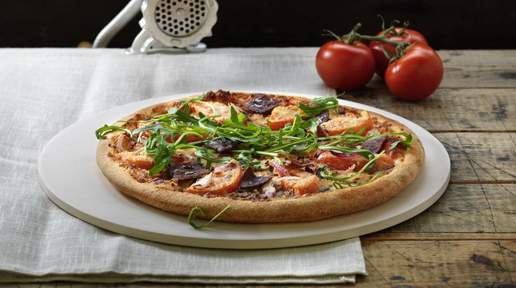 Pizza «Double Beef» –Tomato sauce, Mozzarella, Beef, Philly Beef, Onions, Fresh Tomato, Grated cheese, Rucola – Sizes: S - 25cm, M - 30cm, L - 35cm