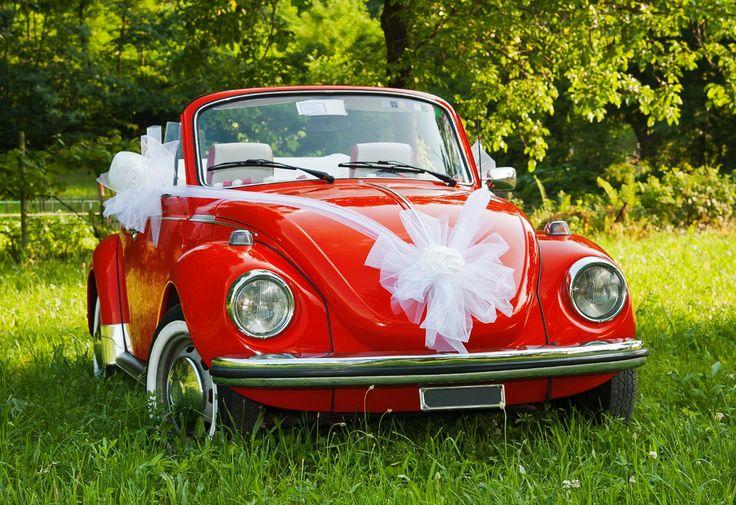 Bei diesem süßen Käfer Cabrio in Rot stimmt die Deko fürs Hochzeitsauto... | Ideen & Anregungen | Tipps & Infos | Viele schöne Beispielbilder