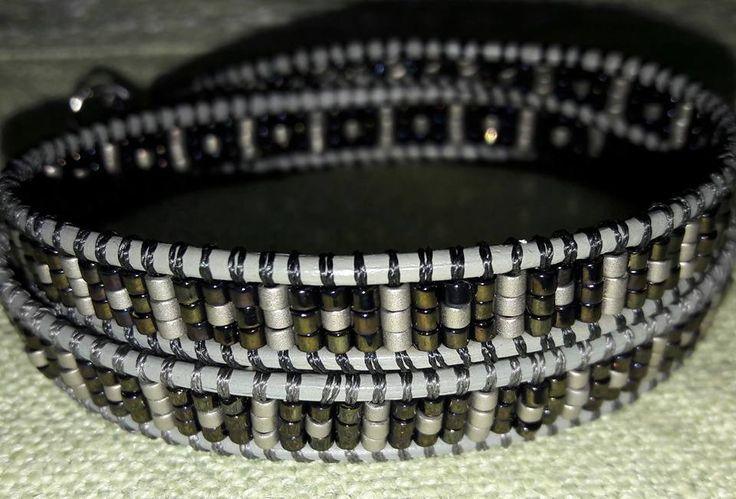 Bracciale con perline delica e cordoncino in pelle Βραχιολι με χάντρες και δερμάτινο κορδόνι