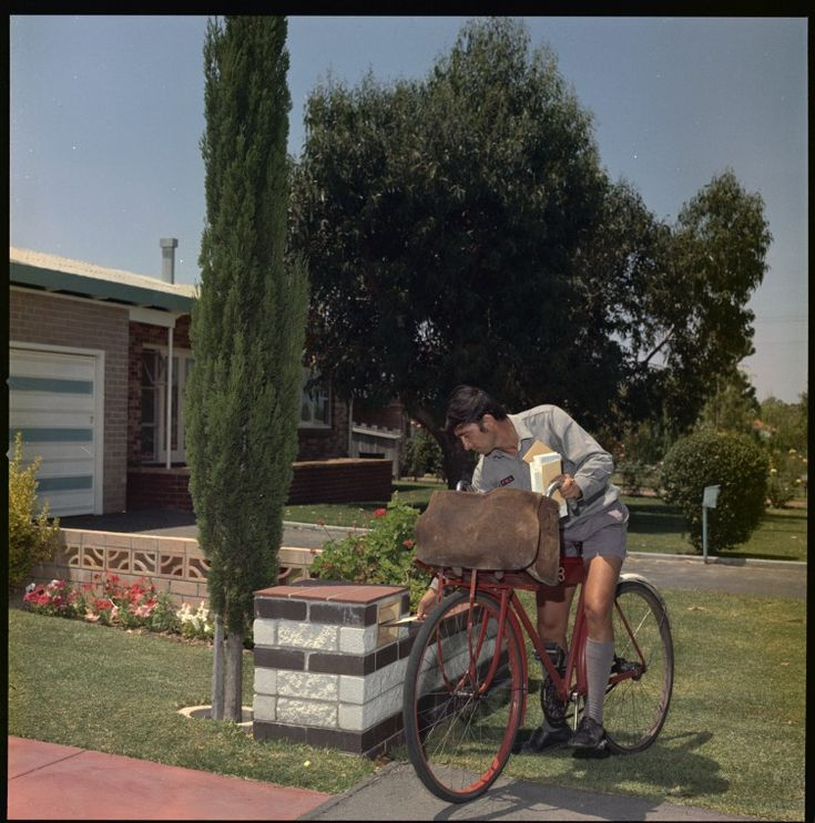 326463PD: A postman delivers mail, Perth, January 1970 http://encore.slwa.wa.gov.au/iii/encore/record/C__Rb3048438?lang=eng