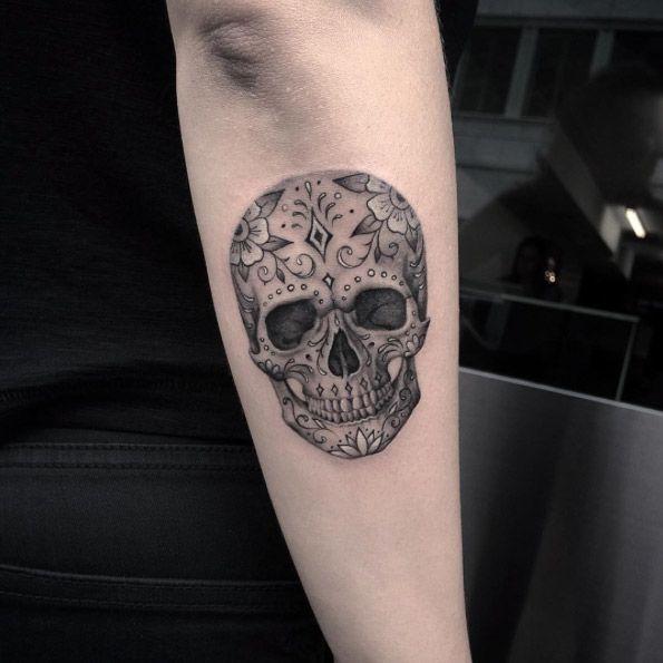 Decorative skull tattoo by Elizabeth Markov