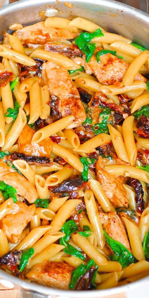 THE BEST PASTA EVER: Creamy Chicken Pasta with Sun-Dried Tomatoes and Spinach