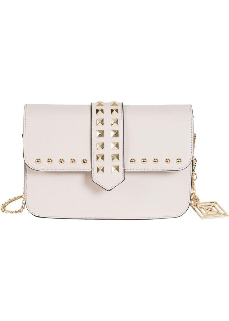 Hochmodisch und super stylisch: Diese kleine Umhängetasche mit Nieten ist ein absolutes Must-Have für modebewusste Damen. #dreambag