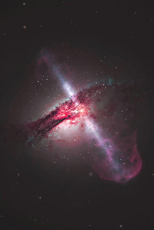 Black Hole that's emitting powerful high-speed, radio signal jets. | Via ponderation.net