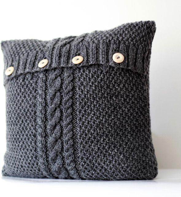 Riciclo creativo vecchi maglioni - Tante idee curiose per trasformare i vecchi maglioni dimenticati nell'armadio in nuovi indumenti e accessori utili.