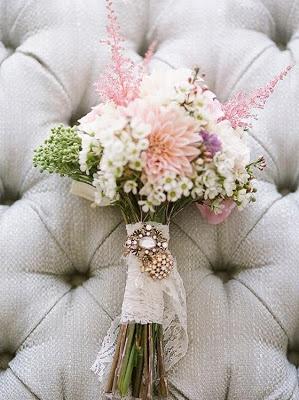 Ramo de novia en tonos rosados y blancos