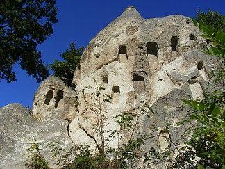 Szomolyai kaptárkövek, Hungary