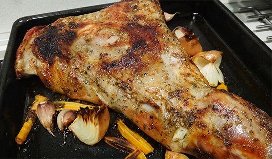 Мятный барашек (передняя ножка, плечо, лопатка) и холодный английский мятный соус по Огюсту Эскофье (Minty Lamb and Mint Sauce)