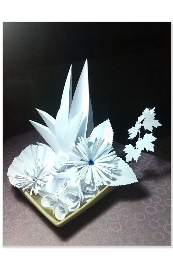 Centrotavola con fiori di carta