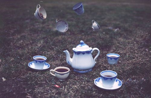 Alice // alice in wonderland. tea in blue, the colour of communication.