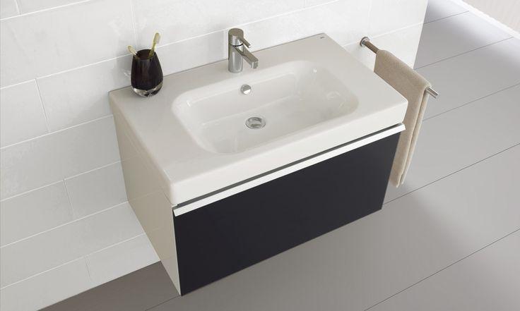 El mueble Flex, elegante y sofisticado diseño en una colección de muebles creada para dar un toque de distinción al cuarto de baño- Versatilidad de tamaños y de combinaciones que permiten crear estilismos y ambientes diversos.