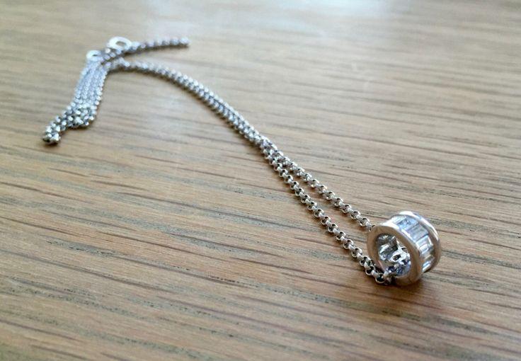 Un favorito personal de mi tienda Etsy https://www.etsy.com/es/listing/386511542/collar-de-diamantes-baguette-colgante