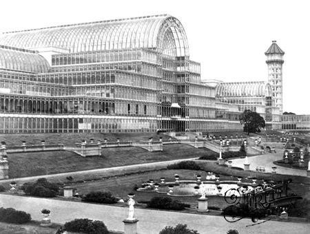 Crystal Palace largest building made of iron and glass. Industrial Revolution