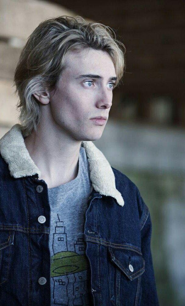 James Paxton as Lukas Waldenbeck in Eyewitness
