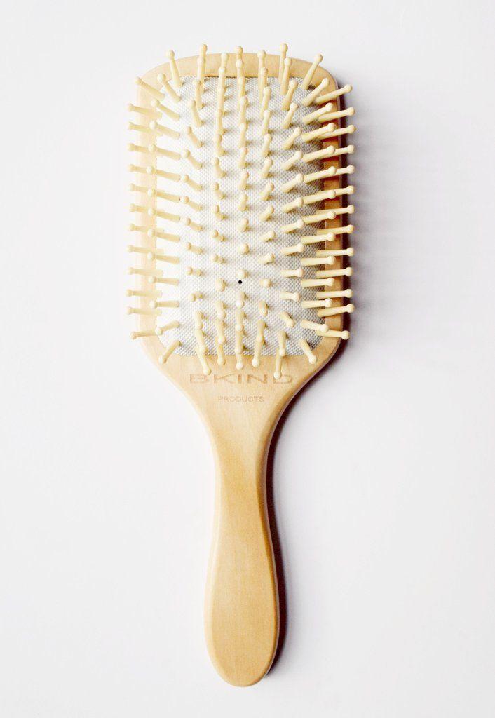 Wooden hair brush - Brosse à cheveux en bois