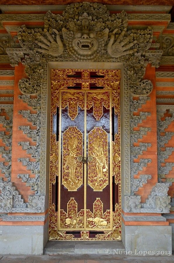 Hindu temple door by Nuno Lopes on 500px | Bali, Indonesia