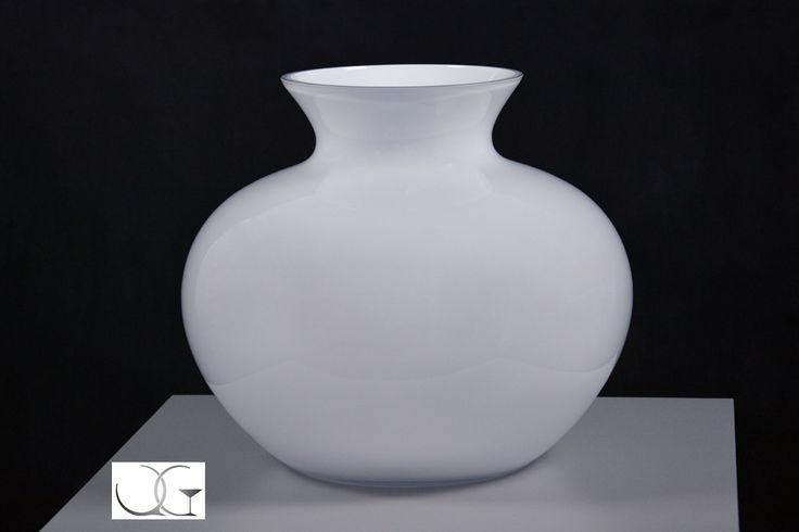Wazon szklany opal kulisty -  Round white opal glass vase - handmade