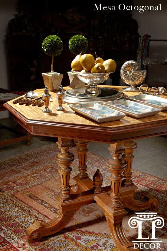 Muebles de Época Mesa Octagonal -