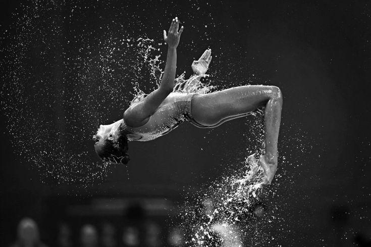Une nageuse de l'équipe de Grèce pendant le tour préliminaire du programme libre de natation synchronisée, le 26 juillet (AFP / Christophe Simon)