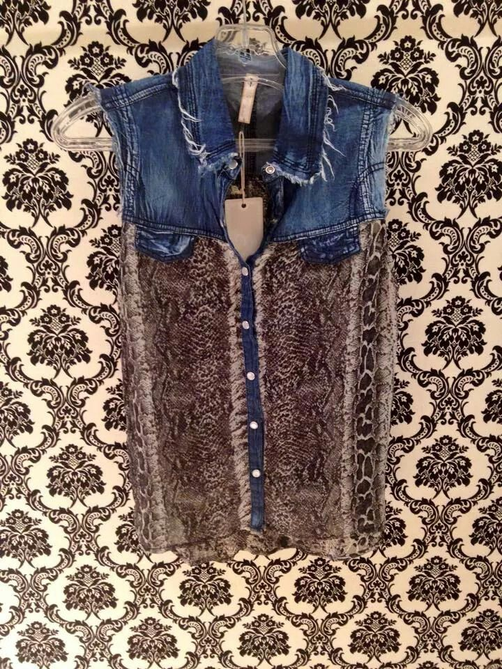 Stunning snake and denim top at #NicciBoutiques #summer2014