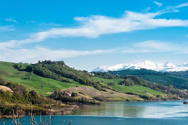 Castreccioni Lake, Le Marche, Italy (via Flickr)