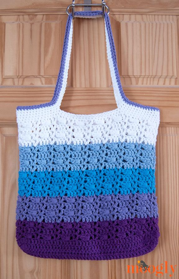 """Use Caron Cakes! Wrapped Ombre Tote Bag: free #crochet pattern from Moogly! <span class=""""emoji-outer emoji-sizer""""><span class=""""emoji-inner"""" style=""""background: url(chrome-extension://immhpnclomdloikkpcefncmfgjbkojmh/emoji-data/sheet_apple_64.png);background-position:2.5% 97.5%;background-size:4100%"""" title=""""hearts""""></span></span>"""