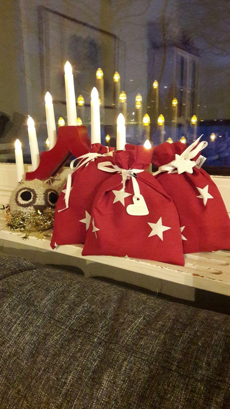 Ihanille työkavereille joulupussukat ♥️