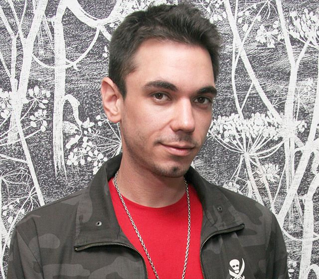 DJ AM The celebrity spinner, whose real name was Adam Goldstein, died in August 2009 of an apparent drug overdose at the age of 36. The star — who battled drug addictions and had attempted suicide before getting sober more than 10 years ago — survived a tragic plane crash that had left him critically injured.   Read more: http://www.usmagazine.com/celebrity-news/pictures/stars-who-have-gone-too-soon-200929/3614#ixzz3VEU5JdxF  Follow us: @usweekly on Twitter | usweekly on Facebook