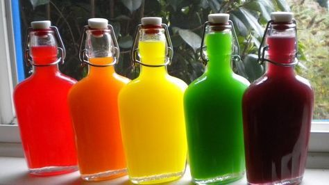 Рецепт водки со Скитлс - необычные цветные напитки на все случаи жизни. Рецепт простой, напиток готовится от 15-20 минут до 48 часов.