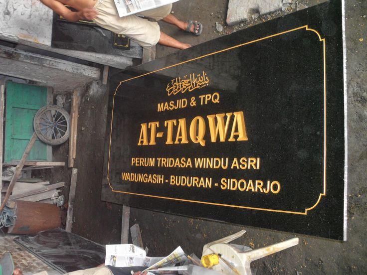 menerima pembuatan prasasti marmer dan granit  Kontak kami : PURNAYA GRAFIR Telp : 03183315430            081357603030             081515441030 Pin BB  2657B7A6