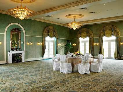 Large Or Small A Party Can Still Be Glamorous Hilton Baton Rouge Capitol Center