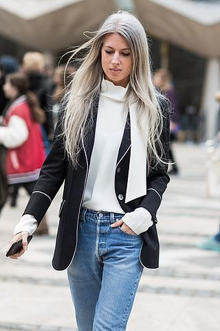 Sarah Harris wearing the absolute best basics you could get. An amazing chic shirt by Alex Eagle, Gucci blazer and simple blue denim.