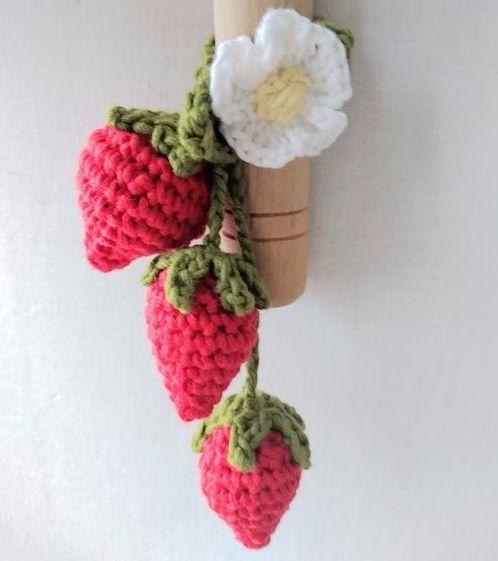 ≪再販×7≫いちごのバッグチャーム・キーホルダー*かぎ針編み